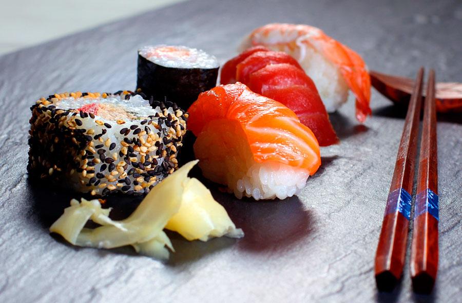 Ощутите яркий и неповторимый вкус суши и роллов!